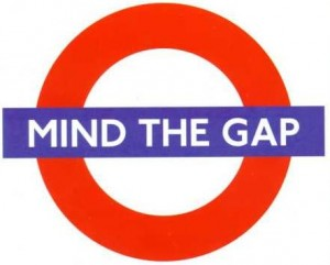 "London tube logo ""Mind the gap!"""